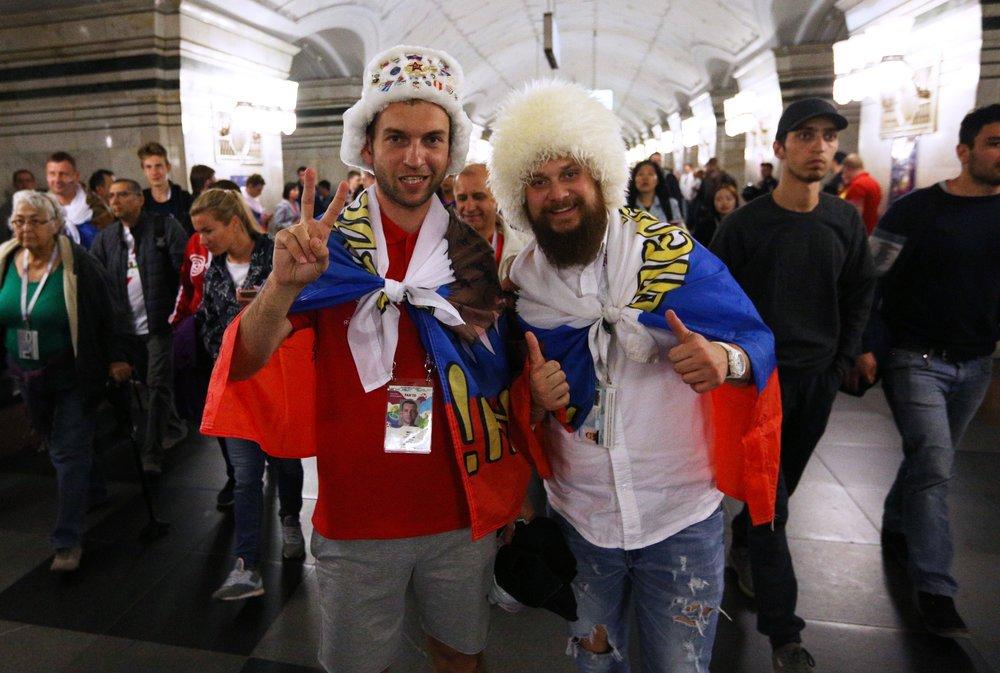 Болельщики в московском метро