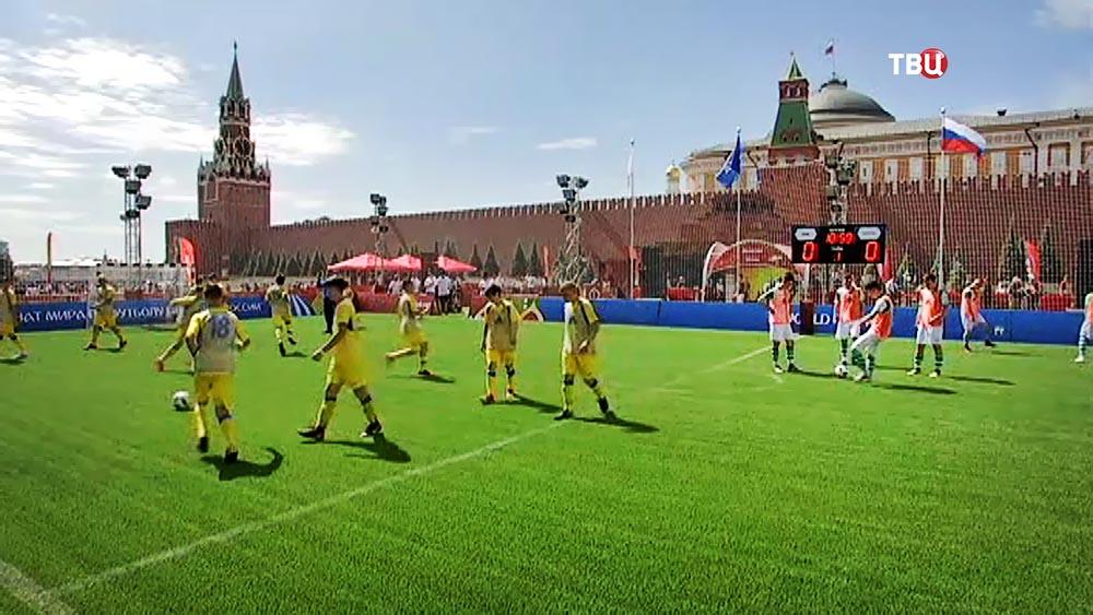 """Парк футбола"" на Красной площади"