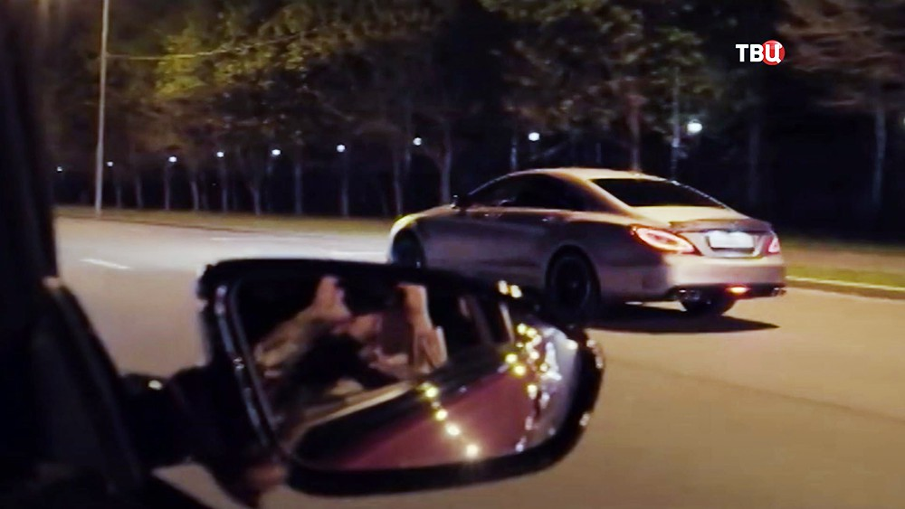 Mercedes устроивший ДТП на Кутузовском