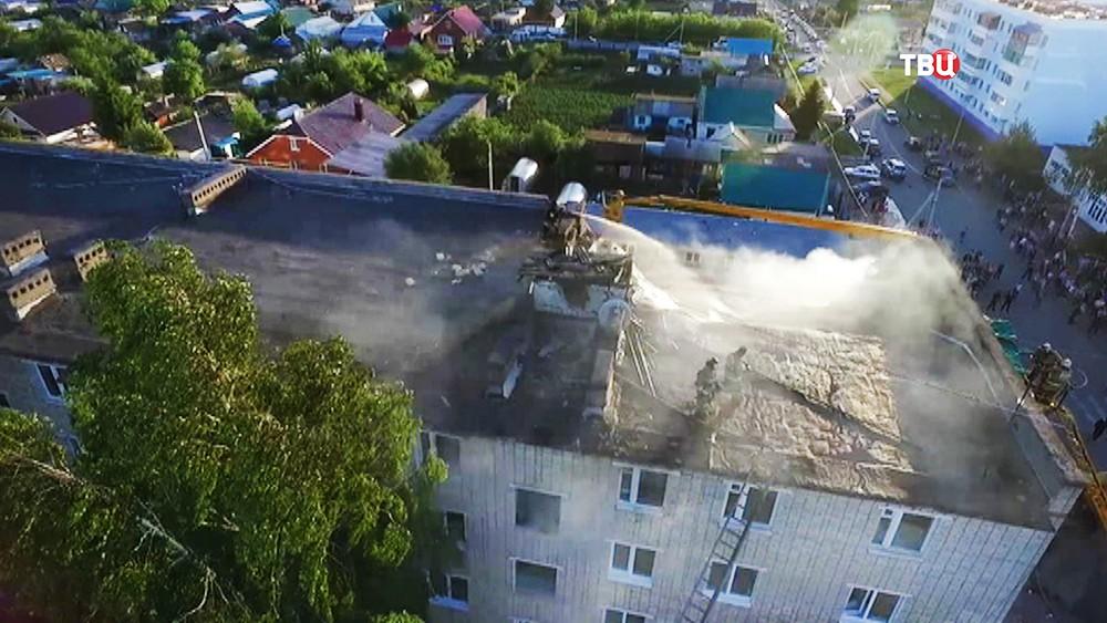 Последствия взрыва газа в жилом доме в Заинске