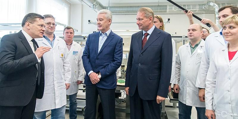 Сергей Собянин во время посещения ВНИИА имени Н.Л. Духова