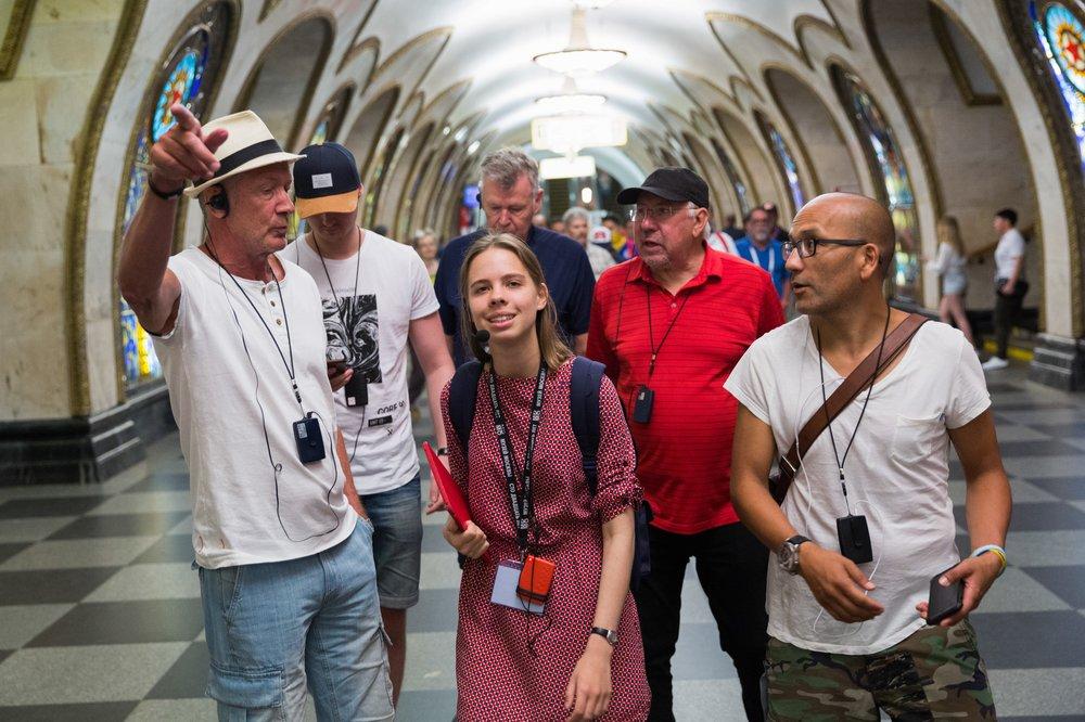 Иностранные болельщики в московском метро