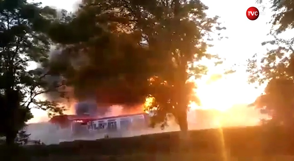 Взрыв цистерн с топливом на АЗС в Чечне