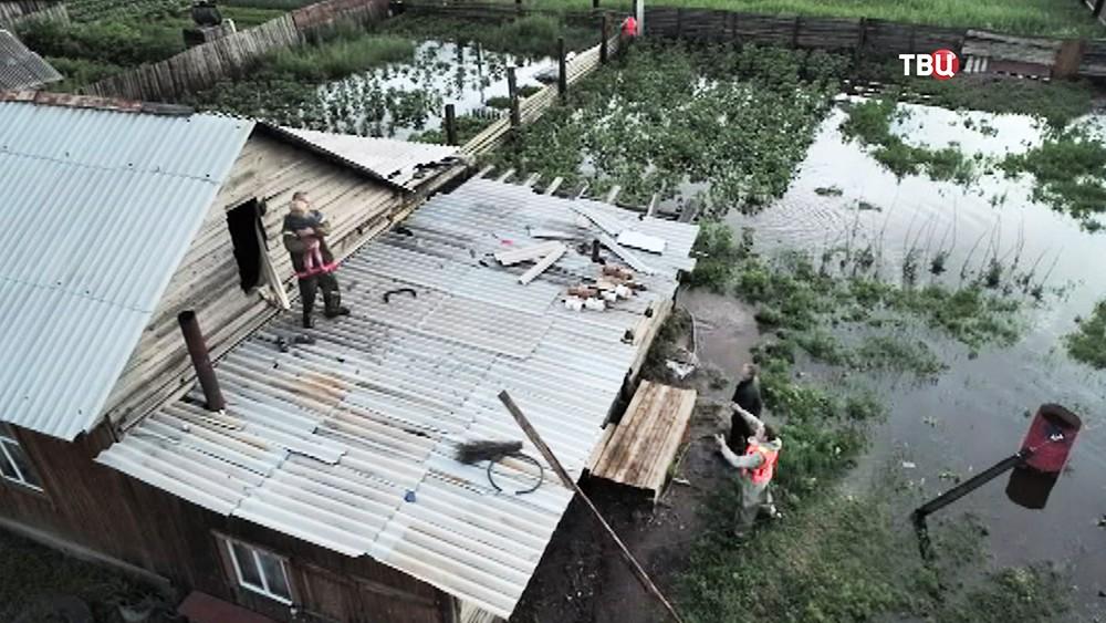 Эвакуация людей из зоны паводка