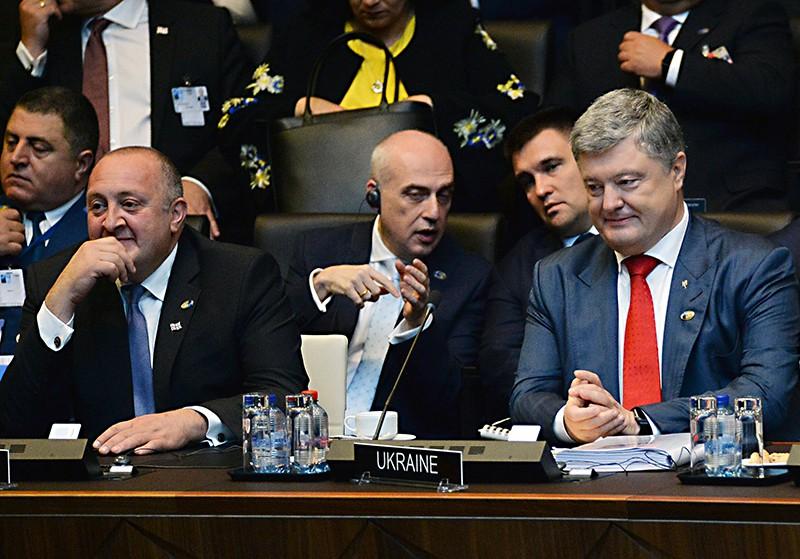 Президент Грузии Георгий Маргвелашвили и президент Украины Петр Порошенко на саммите НАТО в Брюсселе
