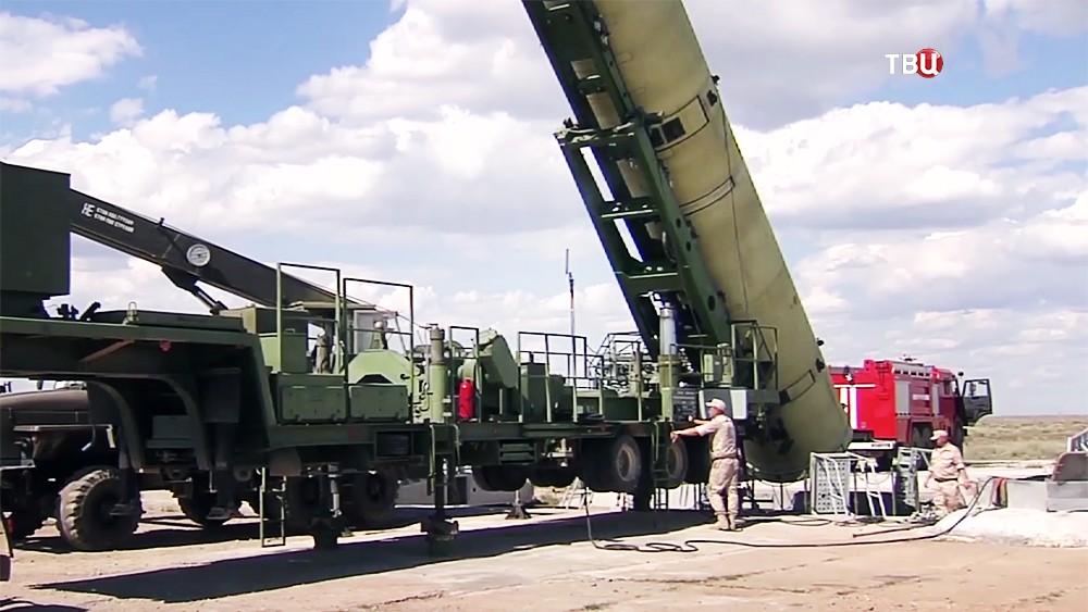 Подготовка к пуску ракеты системы ПРО