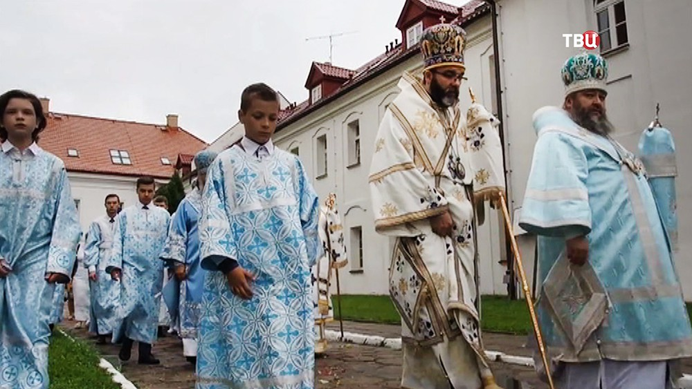 Автокефальная украинская православная церковь, независимая от Москвы