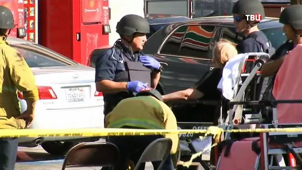 Полиция США и пострадавшие люди