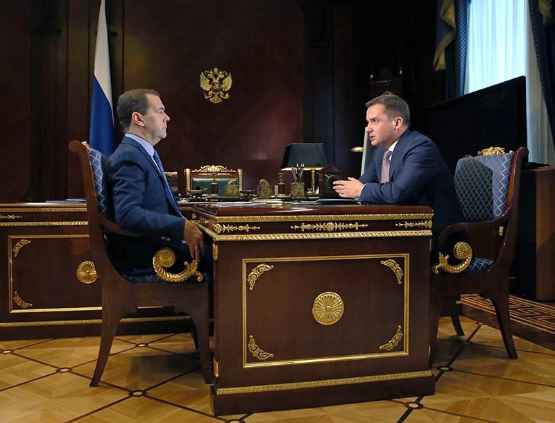 Дмитрий Медведев и врио губернатора Ненецкого автономного округа Александр Цыбульский