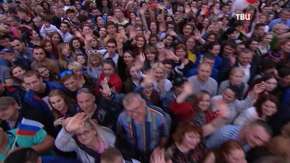 """Праздничный концерт """"Россия в моем сердце"""""""