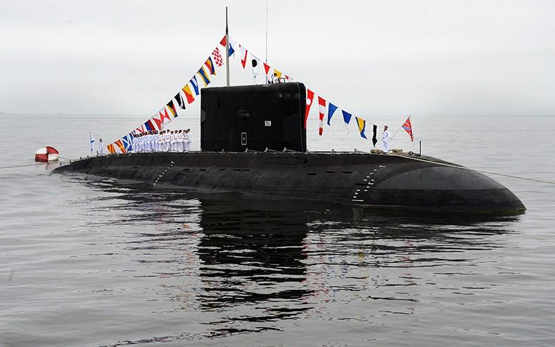"""Дизельная подводная лодка класса """"Варшавянка"""" на праздновании Дня ВМФ во Владивостоке"""