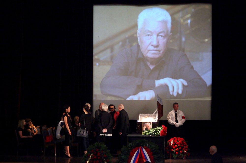 Церемония прощания с Владимиром Войновичем в Центральном доме литераторов