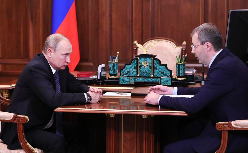 Презедент России Владимир Путин и губернатор Чукотского автономного округа Роман Копин