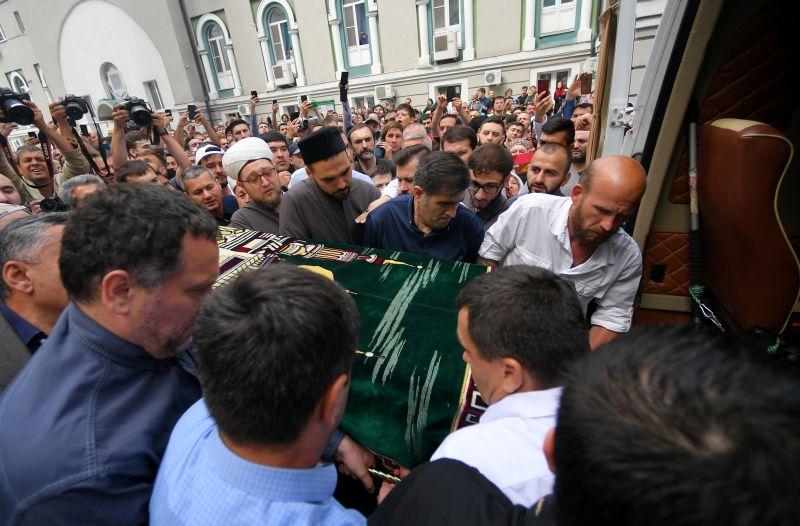 Гроб с телом Орхана Джемаля