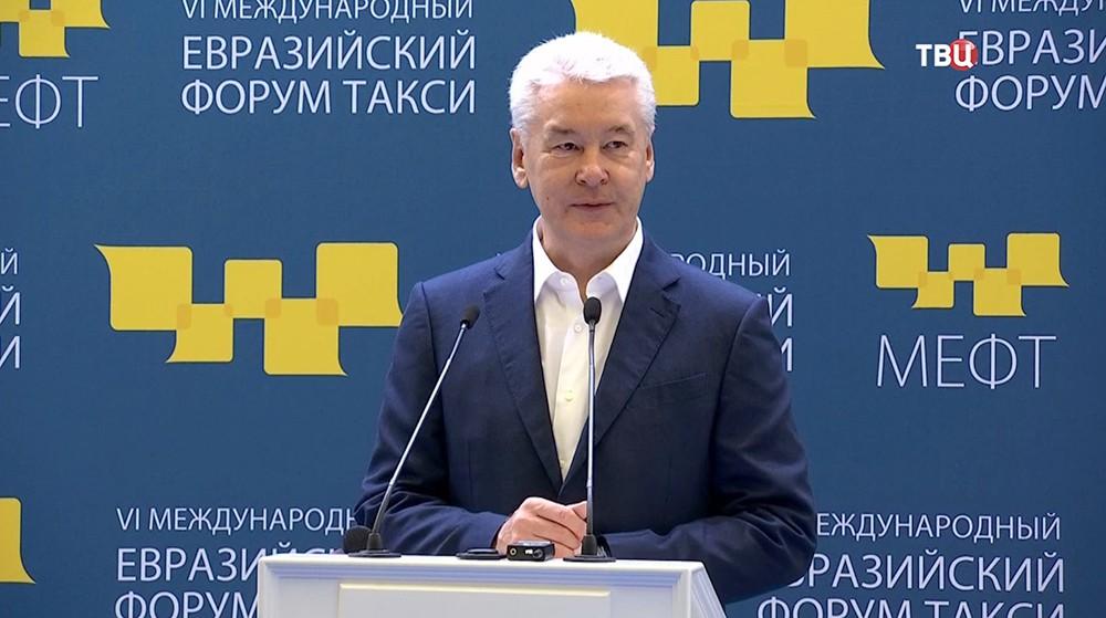 11 Собянин рассказал о развитии такси в Москве
