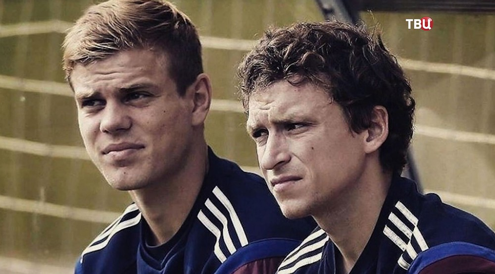 Футболисты Павел Мамаев и Александр Кокорин