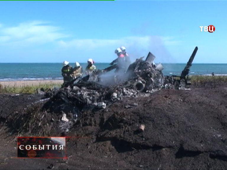 """На Сахалине продолжаются поиски """"черного ящика"""" вертолета Ми-2"""