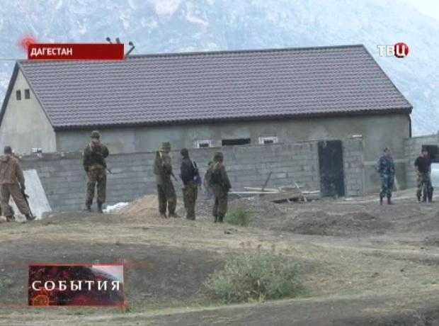 Неизвестные обстреливают блокпост в Буйнакске, один военнослужащий погибает