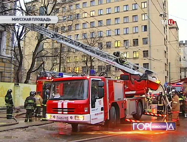 Пожарный расчетна месте возгорания