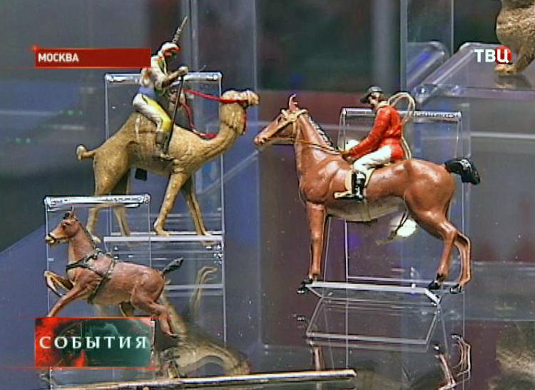 """Старинные елочные игрушки в музее """"Бородинской панорамы"""""""