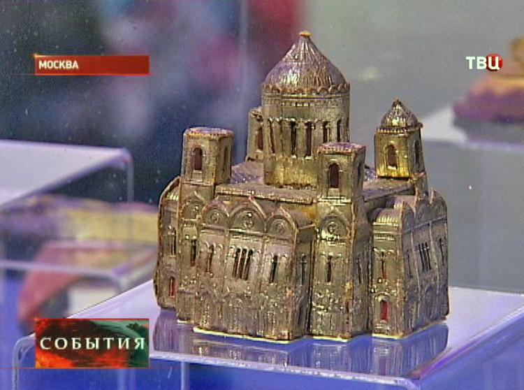 """Старинная елочная игрушка в музее """"Бородинской панорамы"""""""