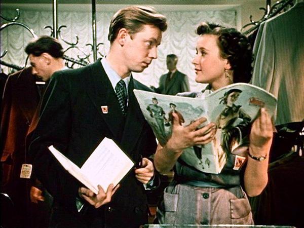 За витриной универмага 1955  советские фильмы