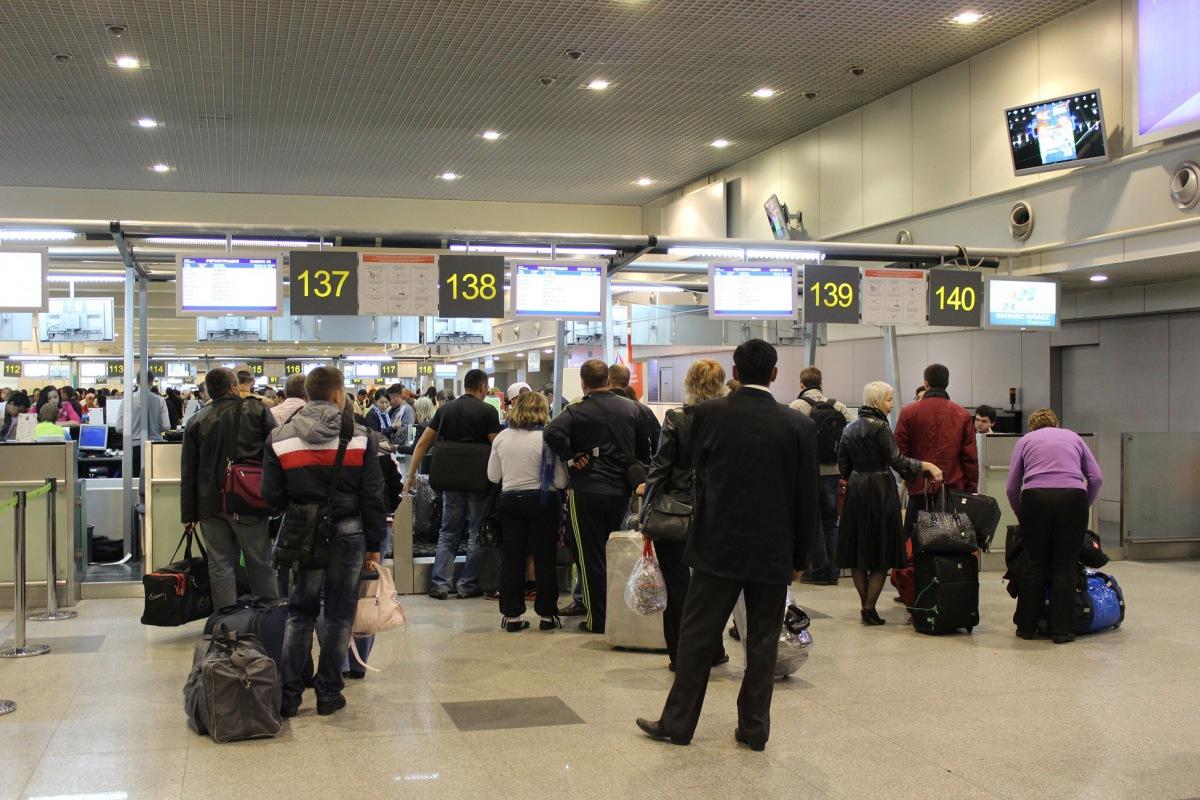 Что делать в аэропорту. Инструкция для тех, кто летит в первый
