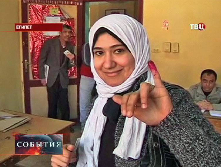 Жительница Египта на голосовании