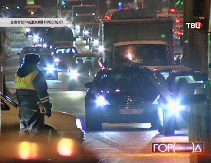 ГИБДД проводят рейд на Волгоградке по автомобилям