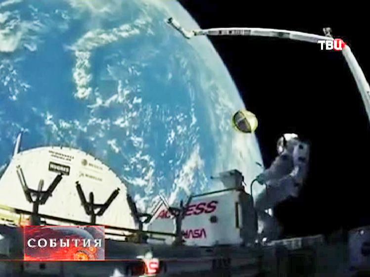 Установка оборудования в открытом космосе