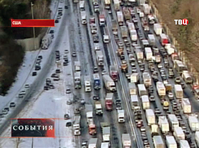 Автомобильная пробка из-за холодов в США