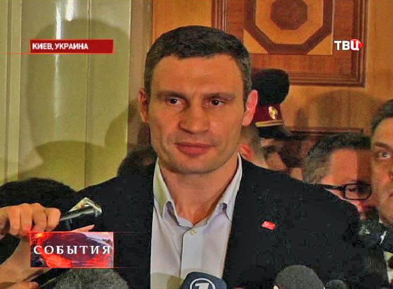 "Лидер фракции ""УДАР"" Виталий Кличко"