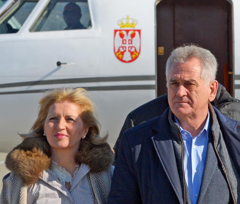 Президент Сербии Томислав Николич с супругой Драгицей Николич в аэропорту Адлера