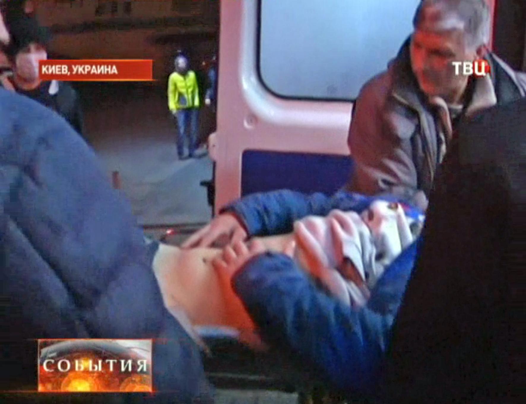 Пострадавший в уличных беспорядках в Киеве