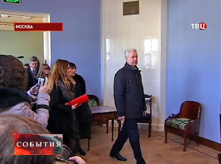 Сергей Собянин осматривает особняк после реставрации