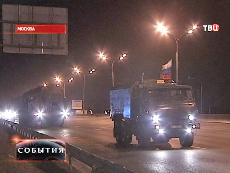 Боевые машины для начала репетицей парада Победы