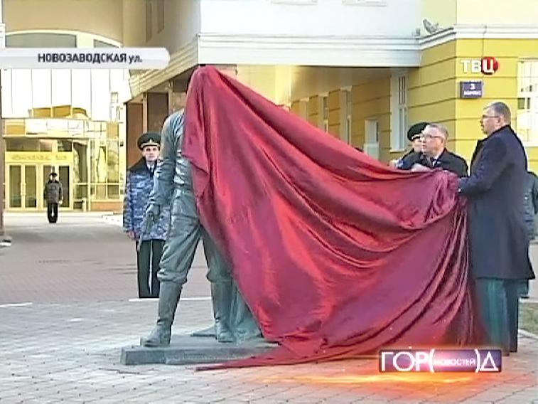 Церемония открытия памятника российским таможенникам в Москве