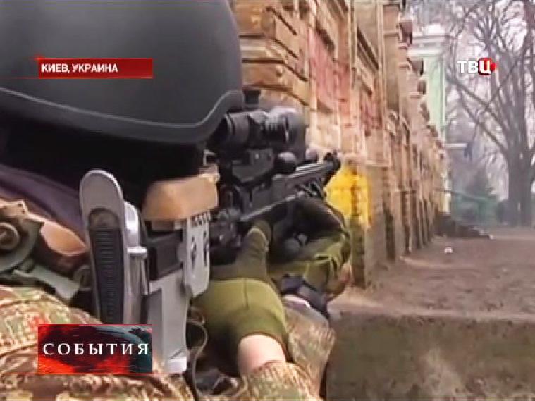 Вооруженные протестующие на улицах Киева