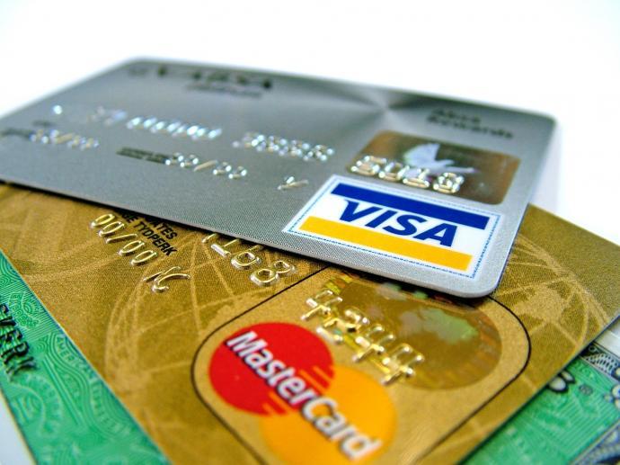 Кредитные карты Visa и MasterCard