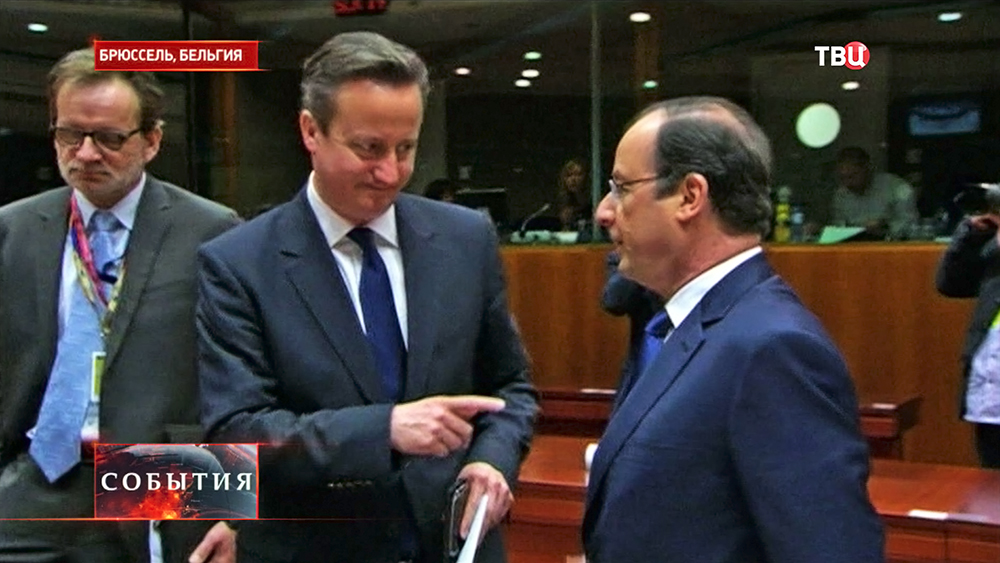 Премьер-министр Великобритании Дэвид Кэмеро и президент Франции Франсуа Олланд