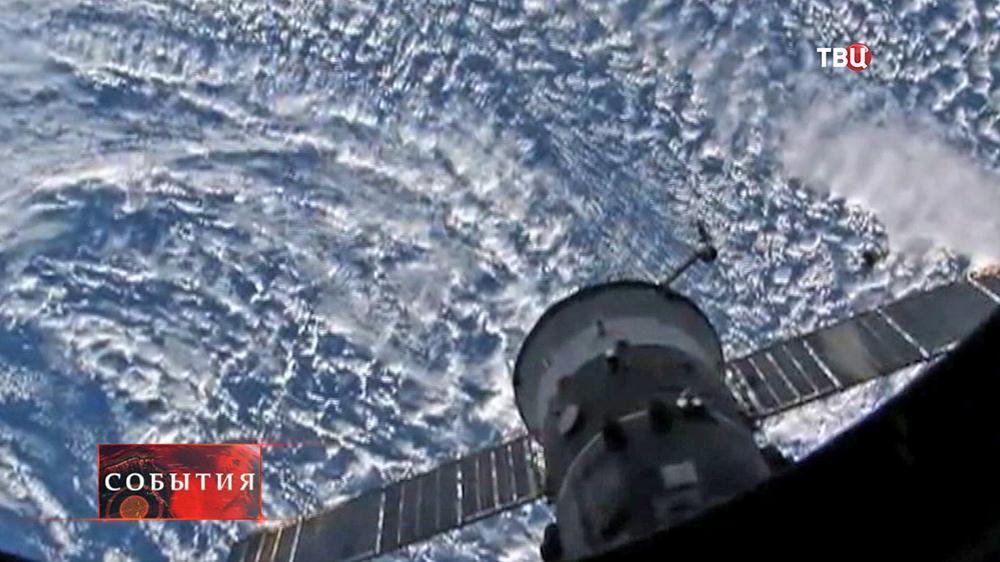 Вид на Землю с орбитальной космической станции