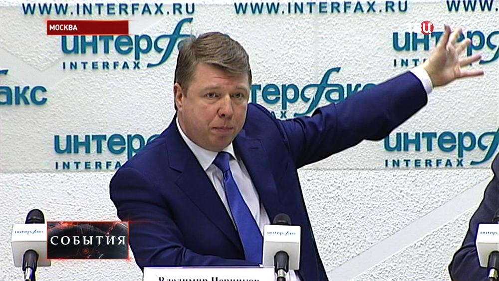 Руководитель департамента СМИ и рекламы Москвы Владимир Черников