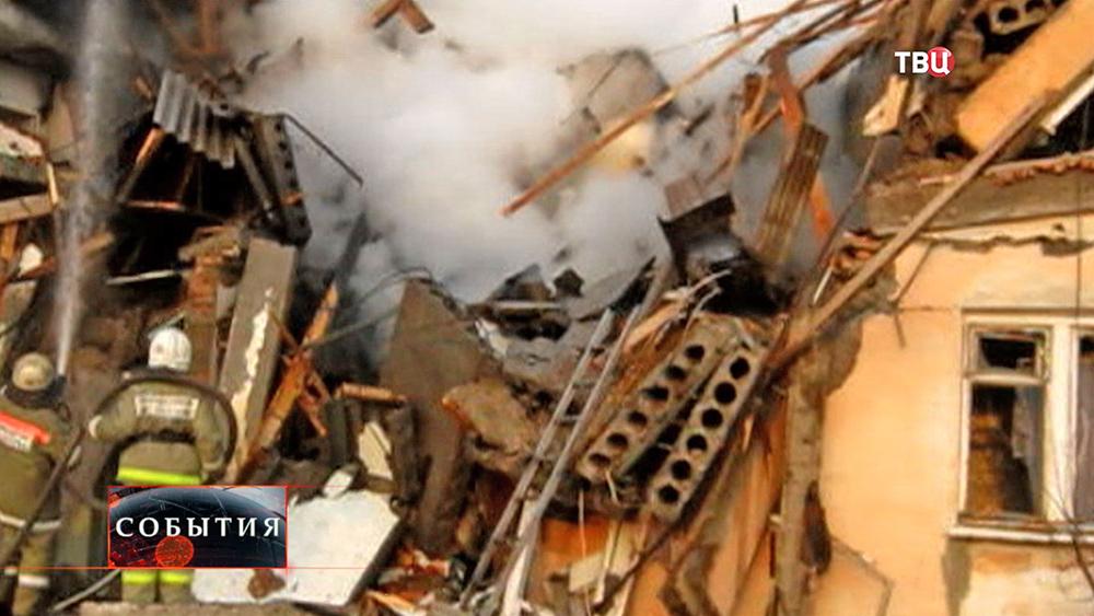Разрушенный дом после взрыва газа