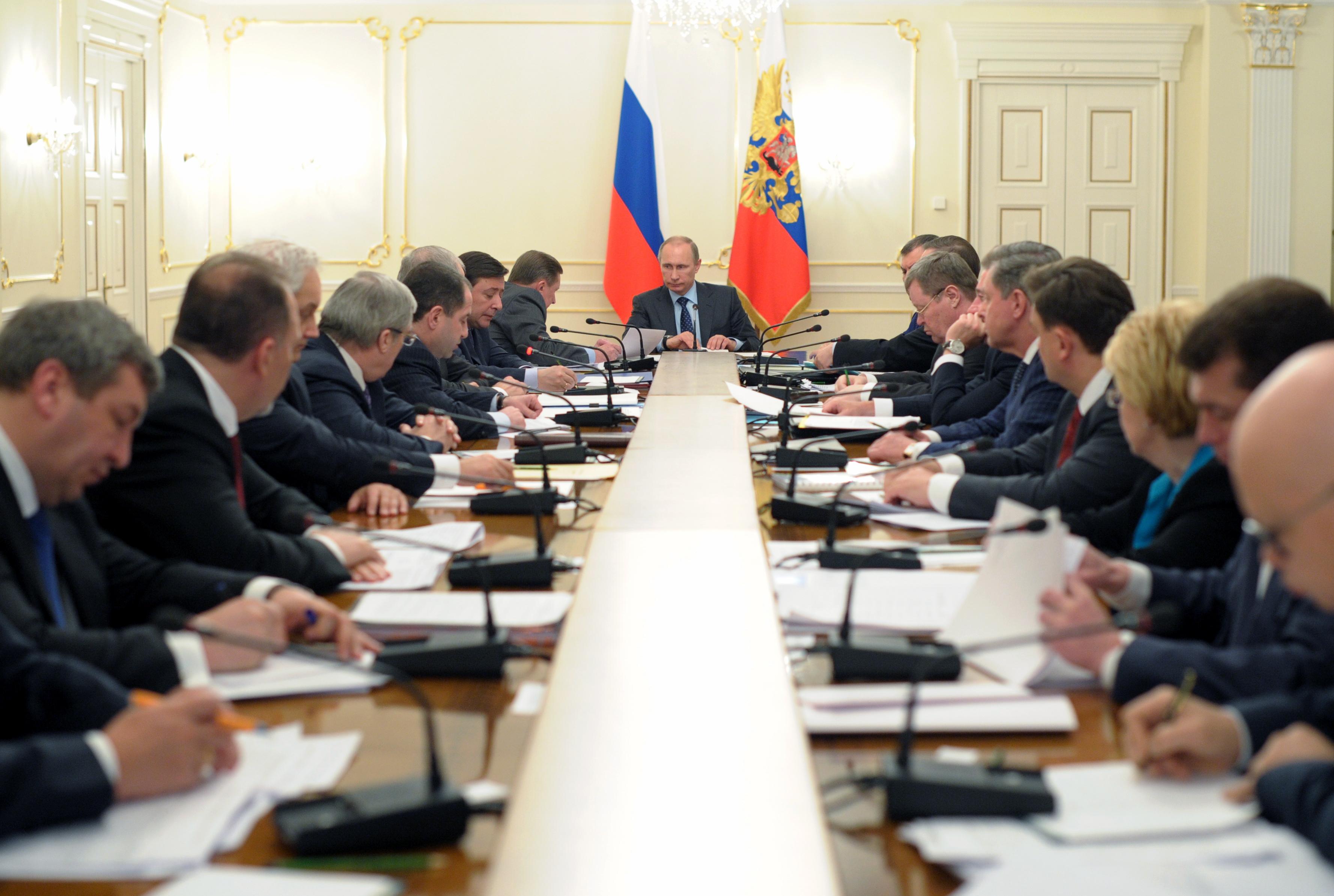 Владимир Путин на совещании с полпредами в федеральных округах