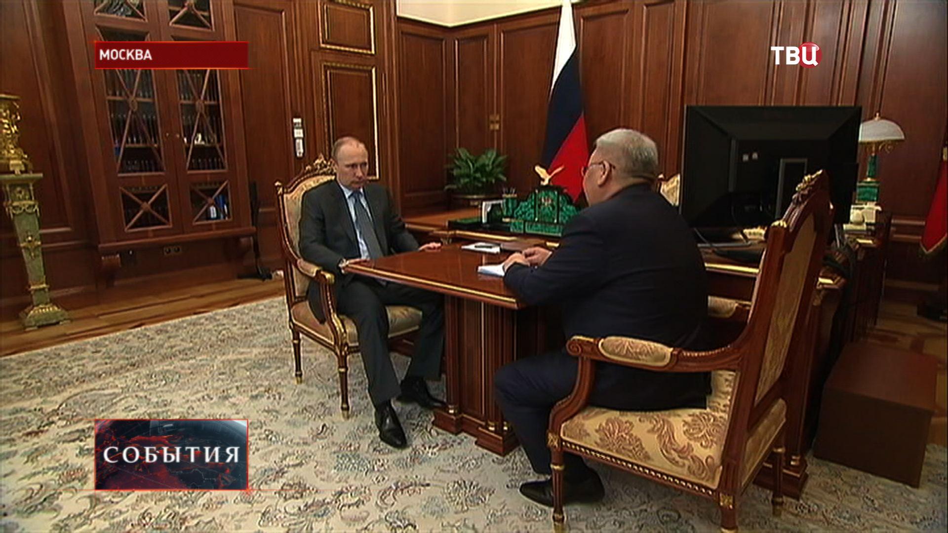 Владимир Путин и глава республики Саха-Якутии Егор Борисов