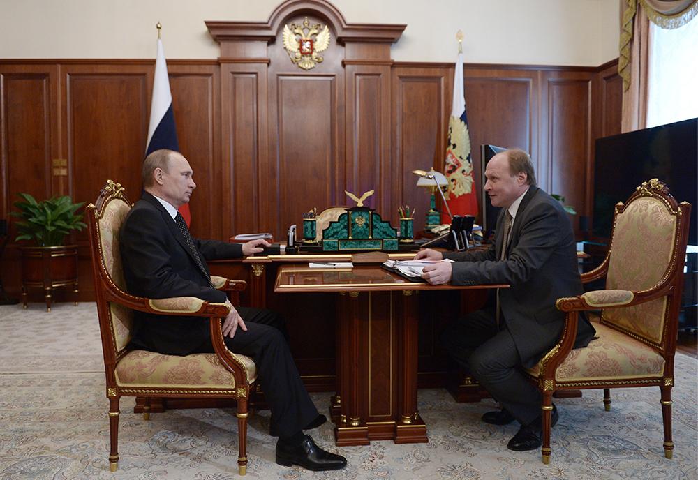 Владимир Путин и советник президента РФ Владимир Толстой