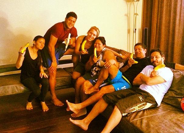 """Нападающий """"Зенита"""" Халк и его семья Фото: http://instagram.com"""
