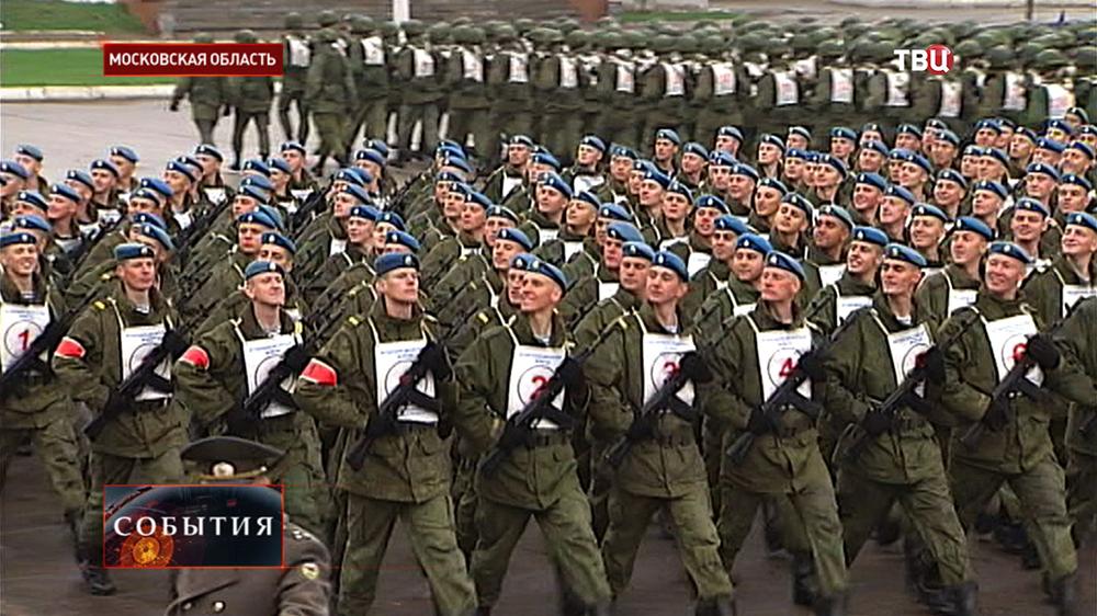 Десантники Ивановского полка маршируют