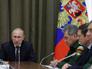 Владимир Путин во время совещания по вопросам оборонно-промышленного комплекса