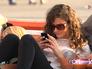 Девушка во смартфоном